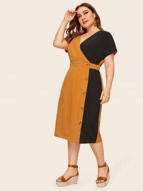 Двухцветное платье размера плюс с пуговицами
