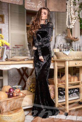 Бархатное платье-годе