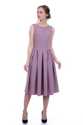Платье с эффектным вырезом на спине