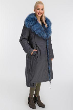 Расклешенное пальто на меху с меховым воротником