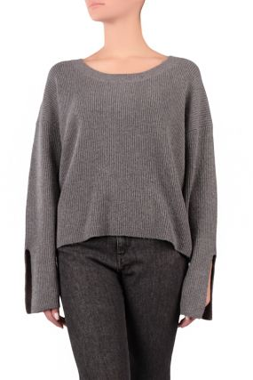 Серый свитер с разрезами