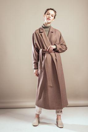 Пальто-халат Черешня с кулиской на спине цвета миндаля (40-42)