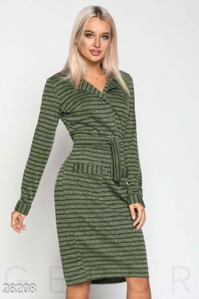 Деловое трикотажное платье