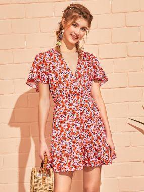 Платье с v-образным вырезом и цветочным принтом