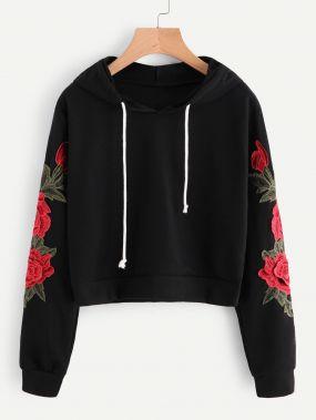 Модный свитшот с цветочной вышивкой