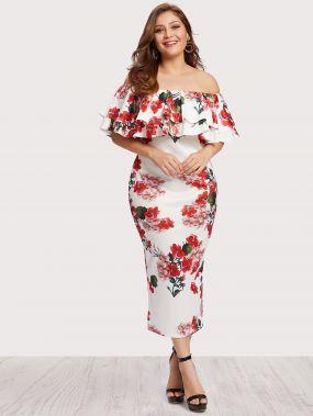 Модное платье с цветочным принтом и открытыми плечами