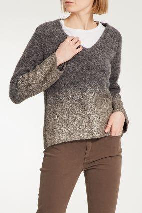 Серый шерстяной пуловер