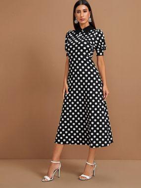 Платье в горошек с пышными рукавами