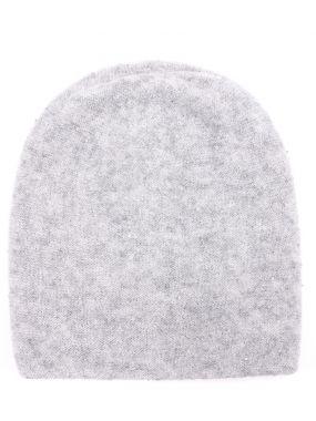 Вязаная шапка с декором
