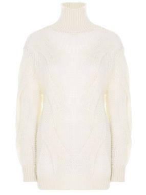 Мохеровый свитер крупной вязки