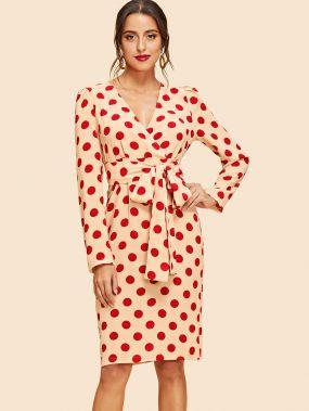 Платье в горошек с поясом с пышными рукавами