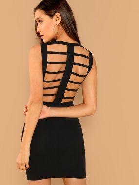 Твердое облегающее платье с открытой спиной
