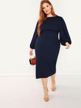 Платье-карандаш с поясом и оригинальным рукавом размера плюс