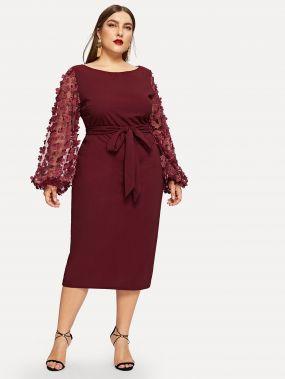 Размера плюс платье с поясом и вставкой на плече