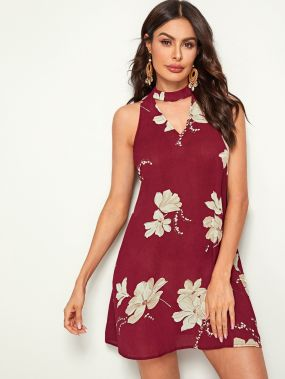 Платье с цветочным принтом и воротником-чокером