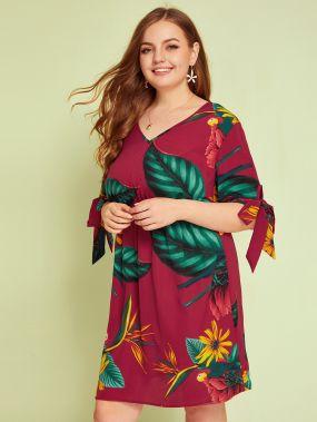 Платье размера плюс с v-образным вырезом и цветочным принтом