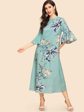 Платье с цветочным принтом и оригинальным рукавом