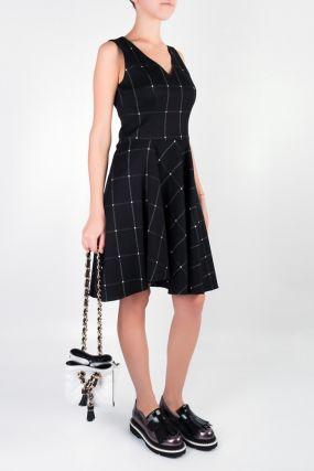 Черное платье в клетку