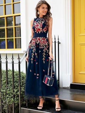 Эффектное Платье С Вышивкой Из Фатина На Подкладке