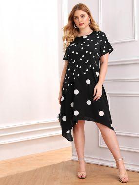 Асимметричное платье в горошек размера плюс