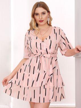 Многослойное платье в полоску размера плюс