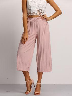 Розовые плиссированные брюки