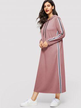 Платье с капюшоном и полосками