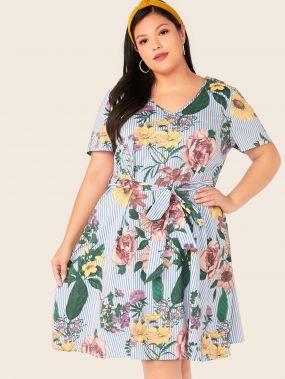 Полосатое платье с поясом и цветочным принтом размера плюс