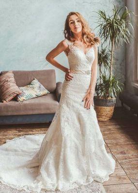 Платье-русалка из кружева с шлейфом NPV024