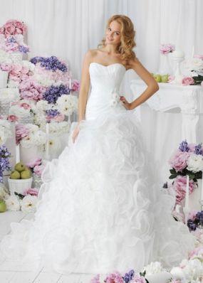 Свадебное платье с цветами из шифона NPV019