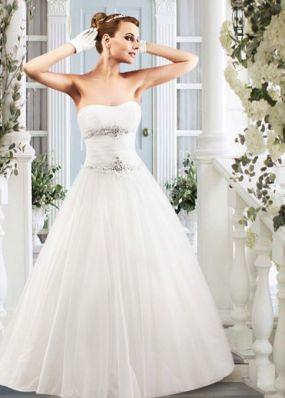 Свадебное платье с фатиновой юбкой а-силуэта NPV016