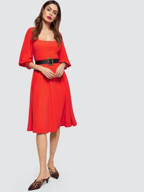 Платье с квадратным вырезом рукавом фонарик без пояса