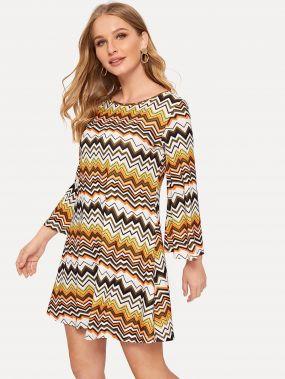 Платье в полоску с узором шеврон