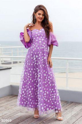 Платье с пышными рукавами