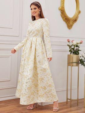 Жаккардовое платье с пышными рукавами
