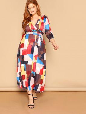 Размер плюс платье с геометрическим принтом и поясом