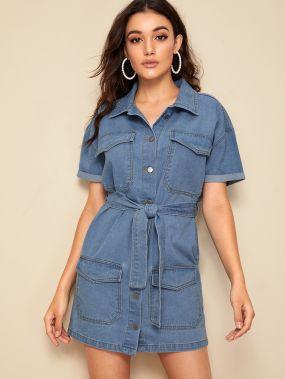 Джинсовое платье-рубашка с карманом и поясом