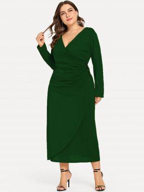 Размера плюс платье с пуговицей и V-образным вырезом