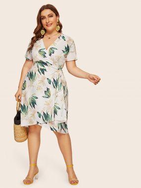 Платье размера плюс с цветочным принтом и узлом сбоку