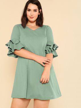 Размер плюс платье с v-образным вырезом и оригинальным рукавом