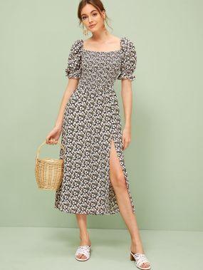 Платье с оборкой и разрезом и цветочным принтом и складкой