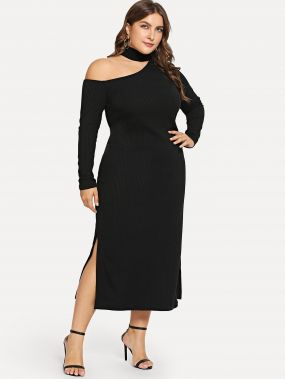 Размера плюс платье с вырезом и асимметричным воротником