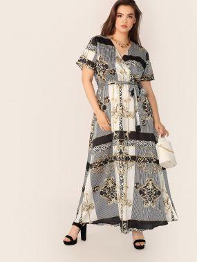 Платье с поясом, оригинальным принтом и глубоким V-образным вырезом размера плюс