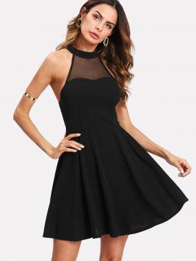 Модное платье с открытой спиной и сетчатой вставкой