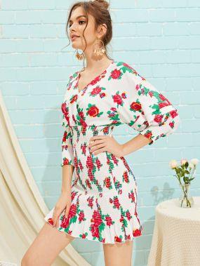 Платье с цветочным принтом, оборкой и глубоким V-образным вырезом