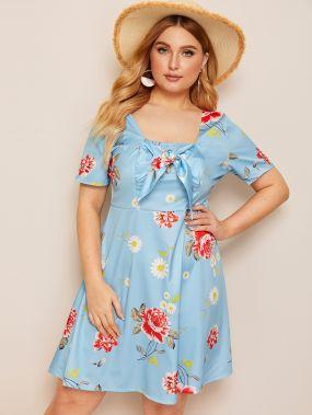 Платье с цветочным принтом и узлом размера плюс