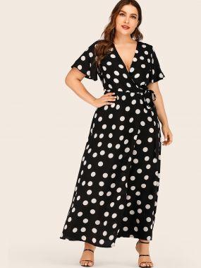 Длинное платье в горошек размера плюс