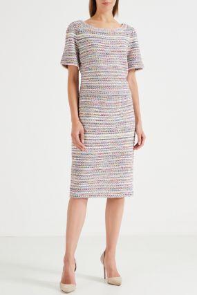 Разноцветное платье с короткими рукавами