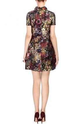 Платье с цветами и декорированным воротником