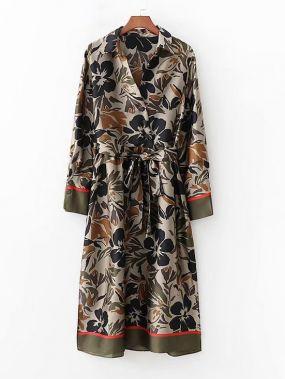 Сатиновое платье с поясом и цветочным принтом